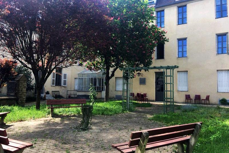 Jardin du logis Saint-François à Vermenton