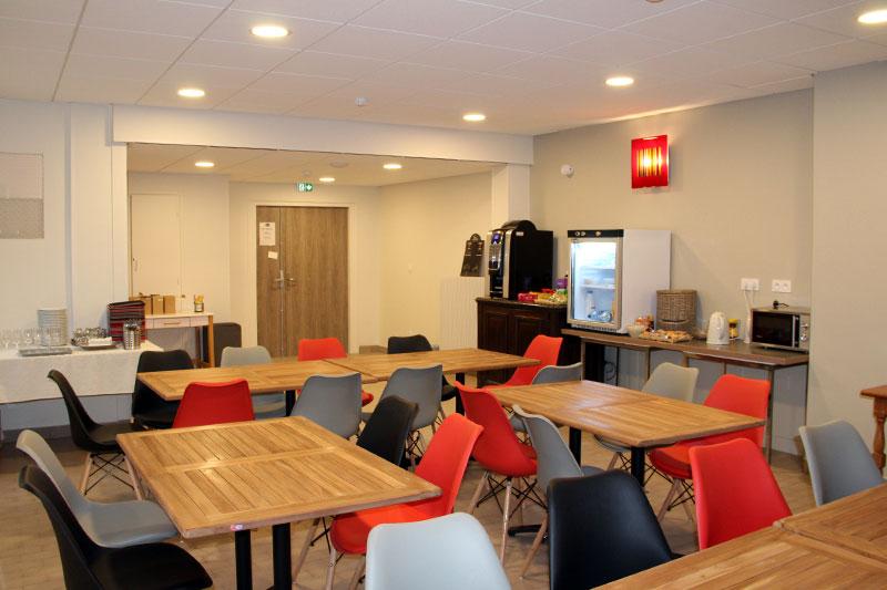 Salle à manger du logis Saint-François dans l'Yonne à Vermenton