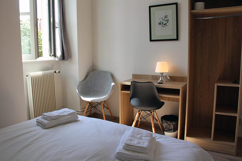 chambre lit double au logis Saint-François